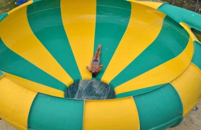 Free-fall Water Slides for Theme Parks